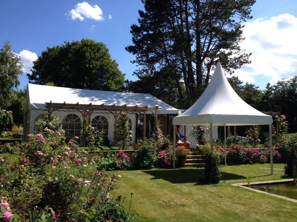garden-wedding-marquee